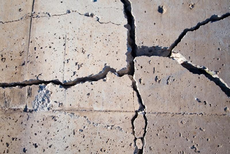 трещины бетон